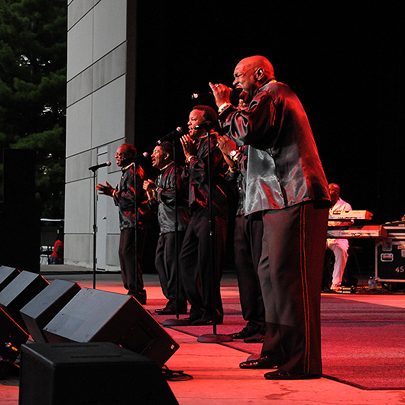 081116_the_spinners_05